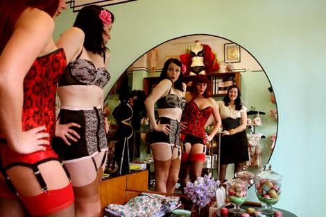 burlesque_lead_wideweb__470x3120.jpg